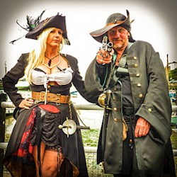 Luluna Clothing - For when Steampunks and Pirates wed