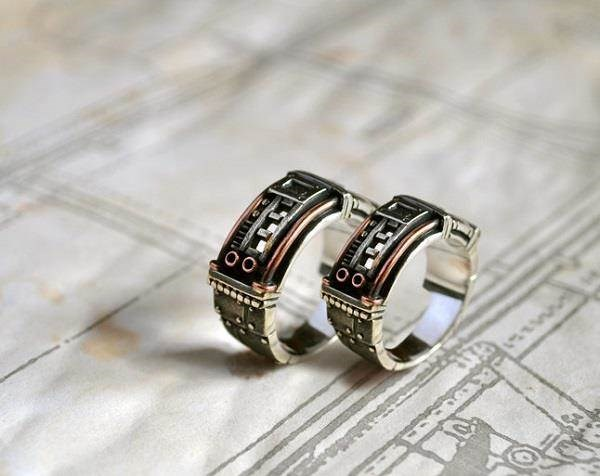 his and hers wedding rings for a steampunk bride and groom from gatojewel