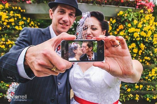 Cool smartphone wedding photo