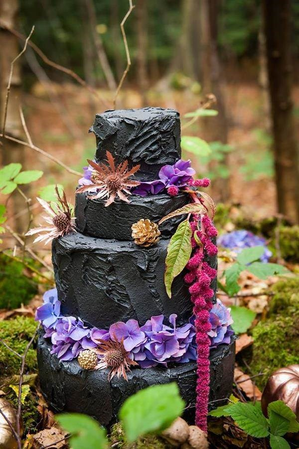 Black wedding cake by French Made