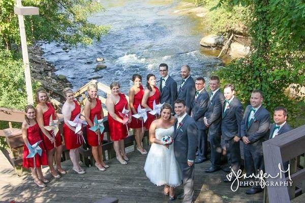Bride & groom with their bridesmaids and groomsmen