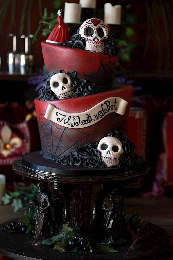Tim Burton inspired, gothic wedding cake