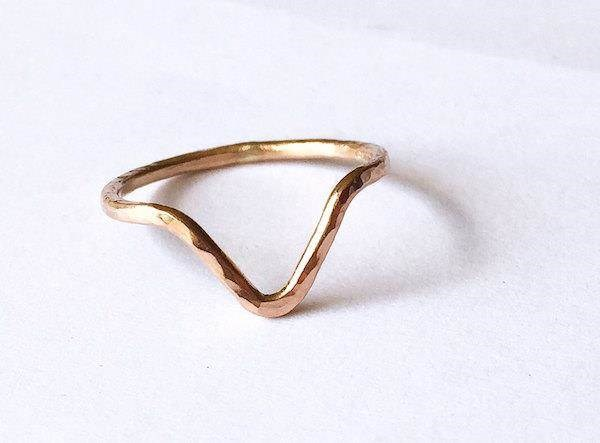 Rose Gold V-shaped wedding ring