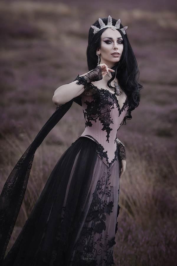 Katrin and Maik\'s Dark and Elegant Wedding | Misfit Wedding