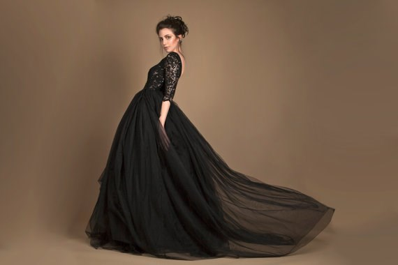 Black wedding gown from Ela Siromascenko | Misfit Wedding