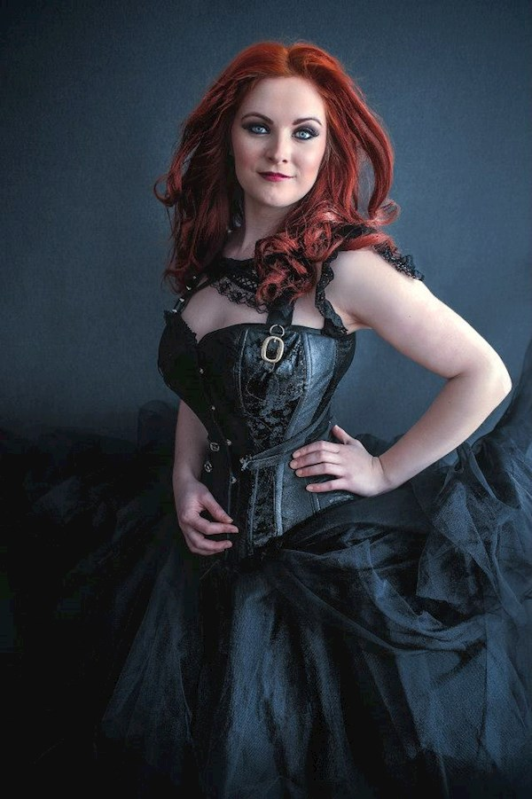 Black Steampunk outfit from Lyndsey Clark | Misfit Wedding