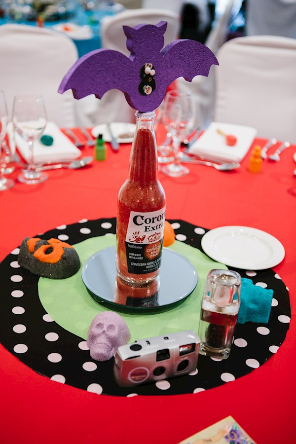 Day of the dead Halloween wedding, photo by Lorna Lovecraft | Misfit Wedding
