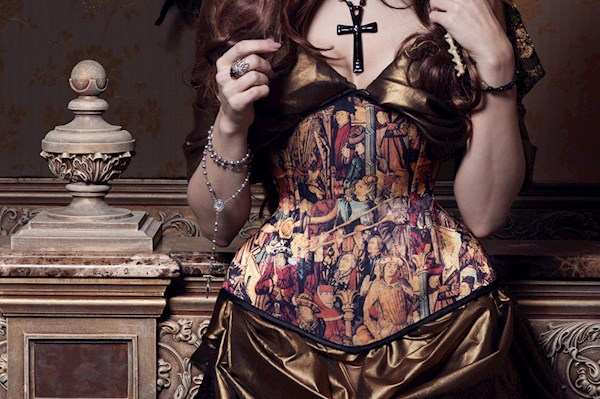 Historical design corset from Alice Corsets | Misfit Wedding