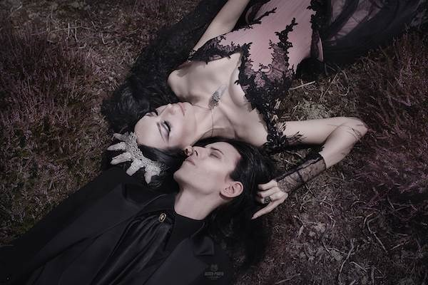 Gothic wedding photo by Galina Aster | Misfit Wedding