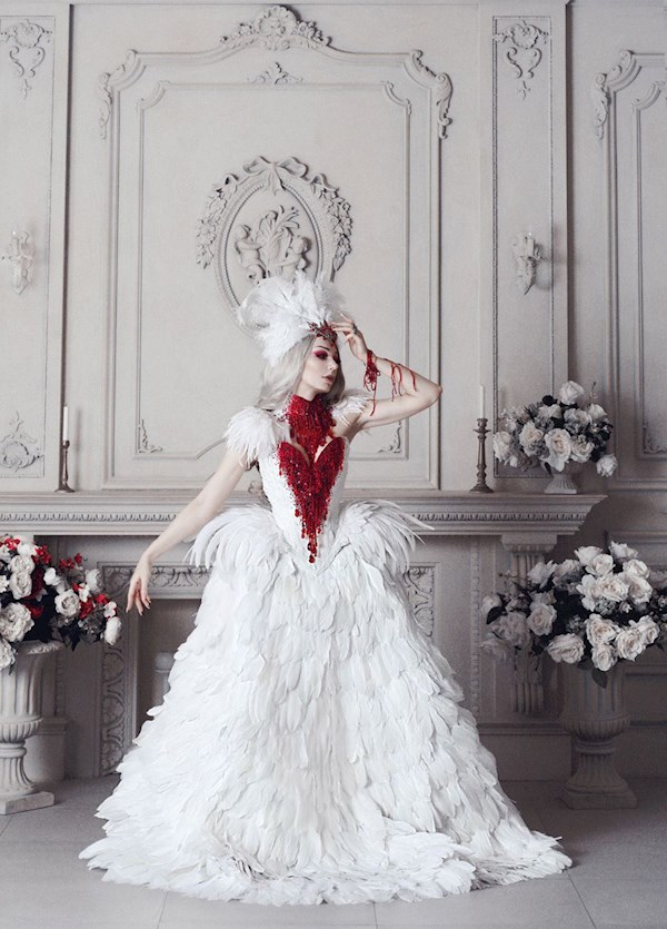 Bleeding Swan gown from Alice Corsets | Misfit Wedding
