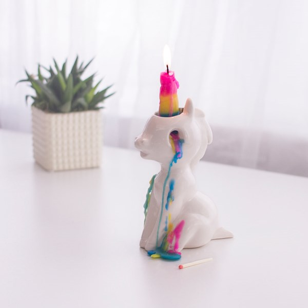 Crying unicorn candle, the perfect wedding table centrepiece! | Misfit Wedding
