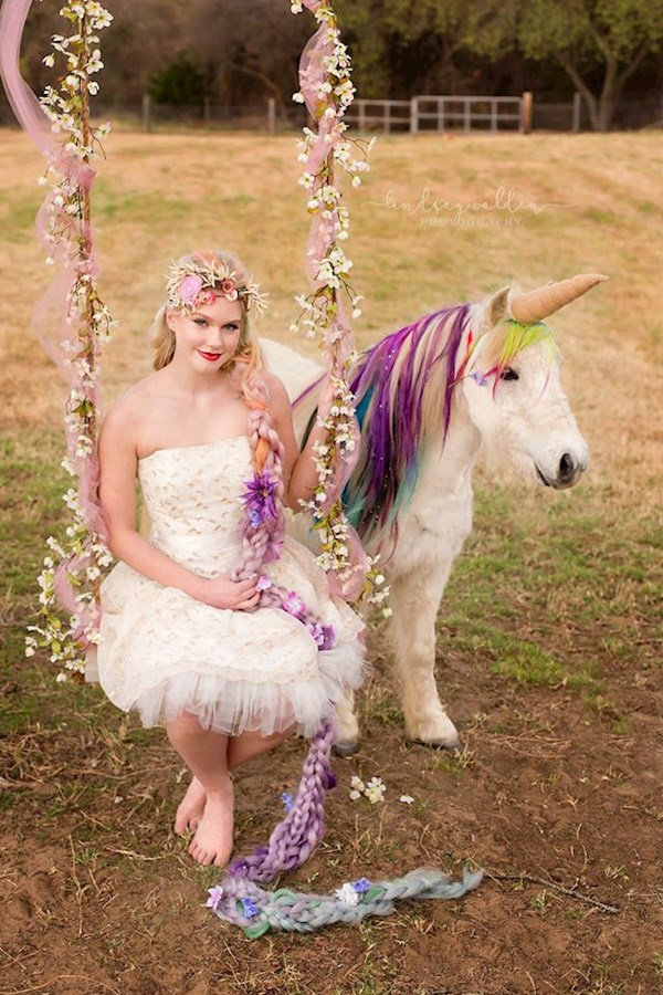 Pony dressed up complete with horn for a unicorn themed wedding | Misfit Wedding