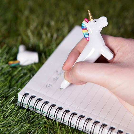 Magical unicorn pen | Misfit Wedding