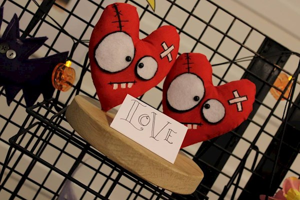 Red heart plushies from Pins & Needles | Misfit Wedding