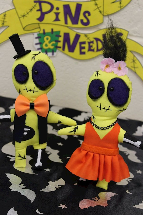 Pins & Needles creepy cute bride and groom dolls | Misfit Wedding