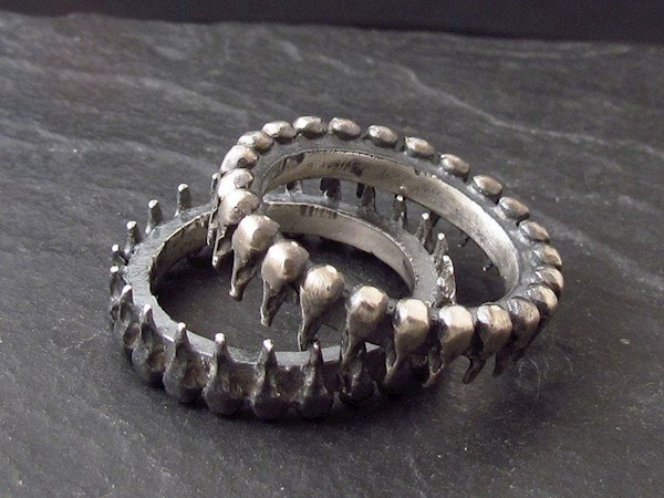 Set of bird skull goth wedding rings from Johnnie Rocker | Misfit Wedding