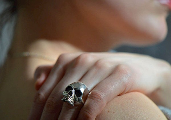 Biker style solid silver skull ring from Komeet Jewelry   Misfit Wedding