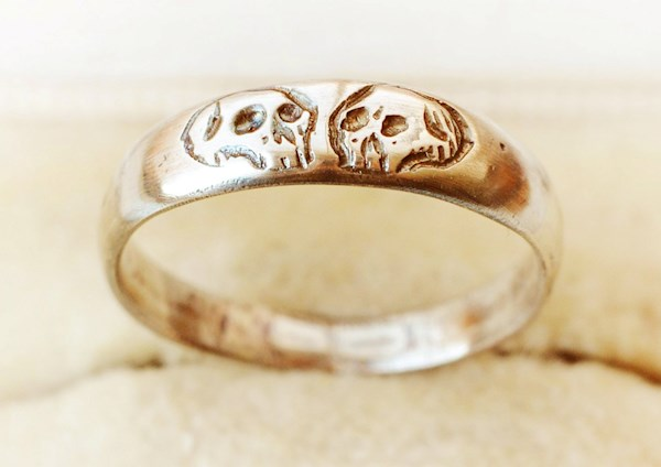 Custom size memento mori wedding ring from Modest Birdy | Misfit Wedding