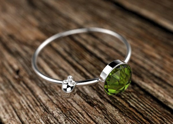 Cute unusual alternative skull and peridot ring from ShineSwap | Misfit Wedding