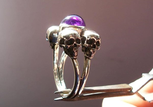 Four skulls and Amethyst engagement ring from Silveralexa | Misfit Wedding
