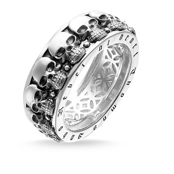 Sterling Silver skulls wedding band from Thomas Sabo | Misfit Wedding