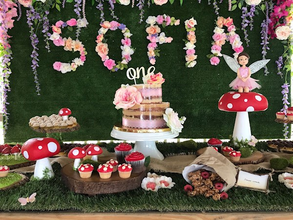 Birthday party decorations from Playcraft | Misfit Wedding
