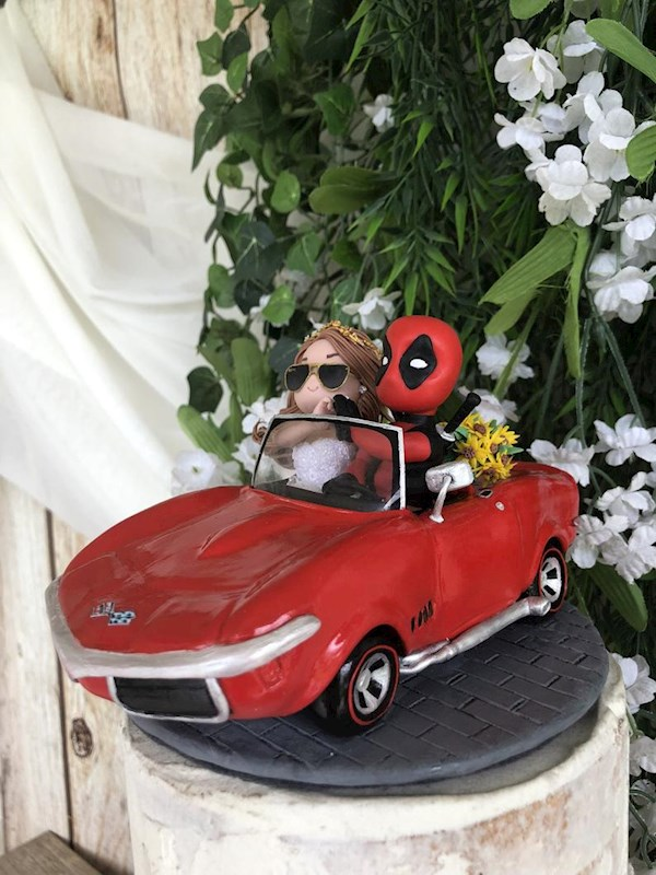Custom wedding cake topper featuring Deadpool, by Playcraft | Misfit Wedding