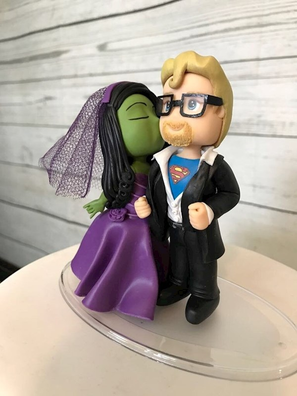 Hulk bride and Superman groom caketopper from Playcraft | Misfit Wedding