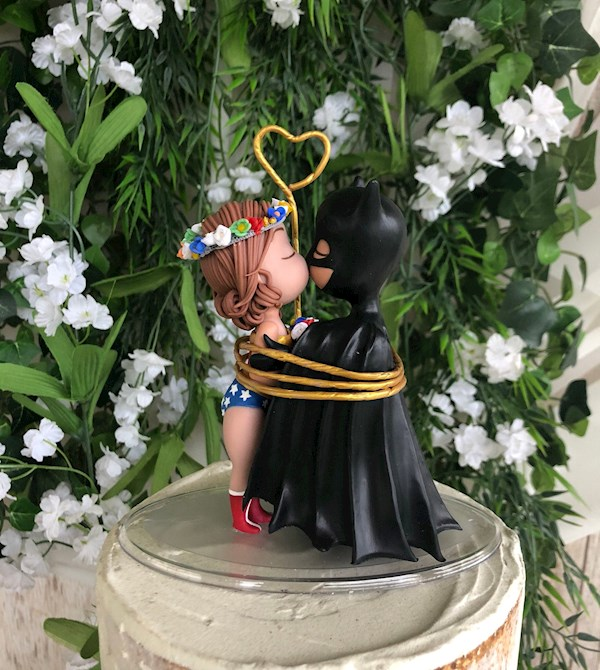 Wonder Woman and Batman Superhero caketopper from Playcraft | Misfit Wedding
